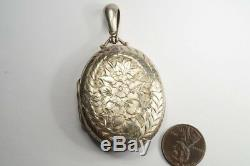 ANTIQUE VICTORIAN PERIOD ENGLISH STERLING SILVER ENGRAVED FLORAL LOCKET c1882