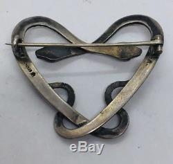Antique Victorian Sterling Silver Green Eyes Pretzel Heart Snakes Pin