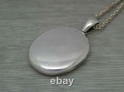 Superb Antique Victorian Sterling Silver Oval Photo Locket & Silver Chain c1890